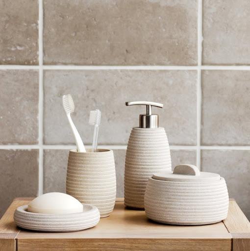Август — экологичная  ванная комната